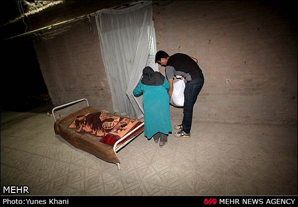 Student-run-food-bank-Iran-35